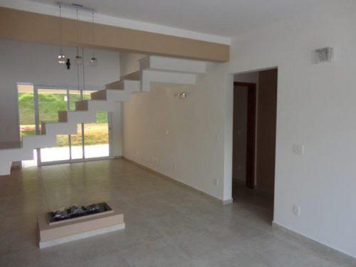 Casa Residencial Cajamar/SP  Área Construída: 370 m²