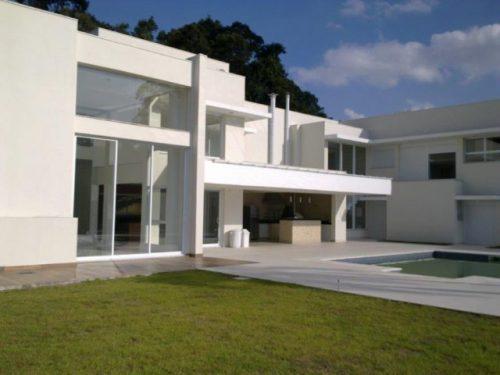 Casa Residencial Jundiaí/SP  Área Construída: 507 m²