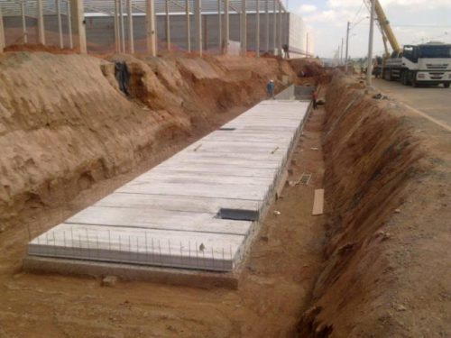 Condomínio Industrial  Jundiaí/SP  Área Construída: 135.000 m²