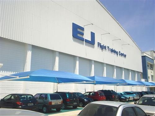 EJ Escola de Jundiaí/SP  Área Construída: 1400 m²