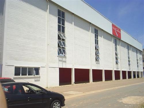 Hangar no aeroporto  Jundiaí/SP  Área Construída: 2.200 m²